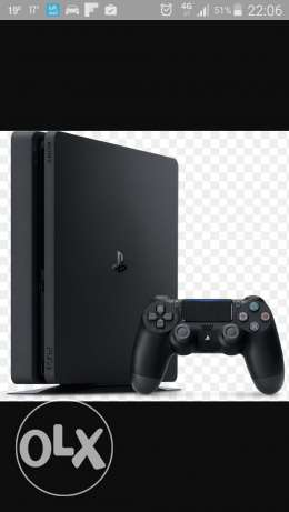 Ps4 1tb with 2 games 2 controllers الفروانية -  1