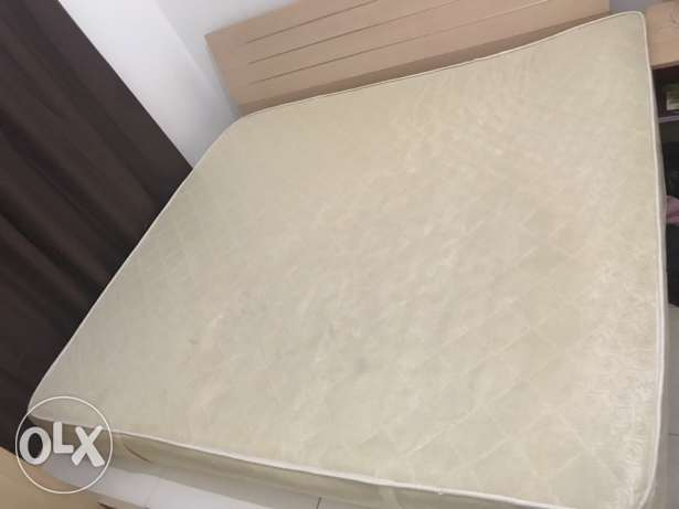 200 cm x 180 cm bed mattress