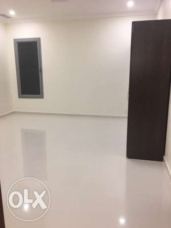 brand new 3 bedrooms in villa flat in fintas with shared pool الفنطاس -  2