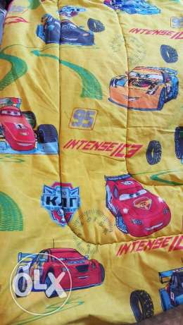 MacQueen blanket and bedsheet