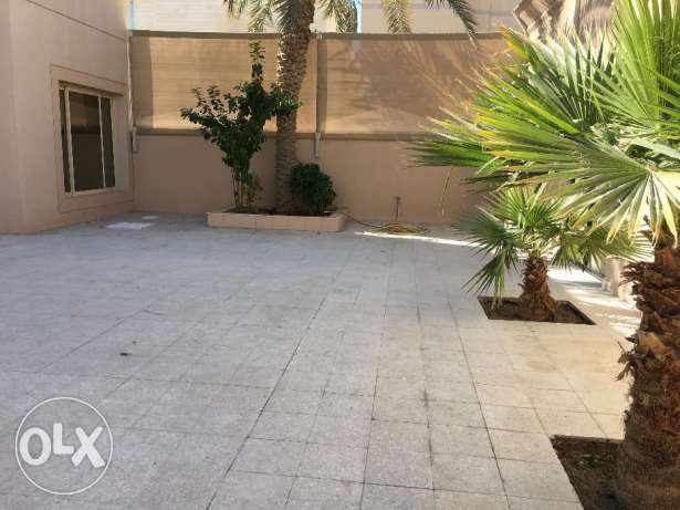 ground floor with yard for rent in Bayan 850 KD per month