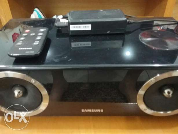 Samsung DA-E670 Powered speaker system with iPhone®/Android™ dock, Blu