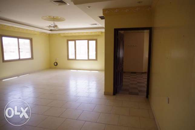For expats,big 4 bdr floor in Mangaf