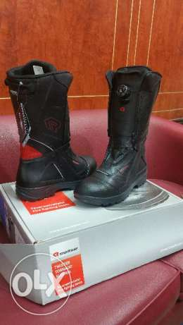 Shoes for firebrigade use. And other safety uses also