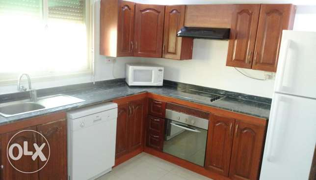 Semi furnished 3 bedroom floor apartment in salwa for kd 600