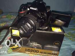 D5200 with lens, bag and box for 100 Kd
