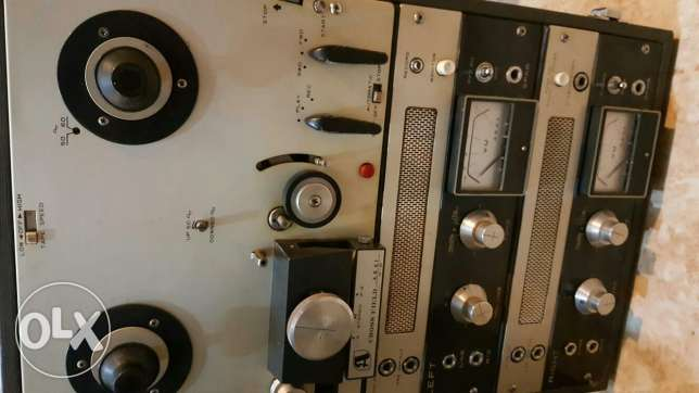 Akai Tape Recorder with 2 woofers حولي -  2