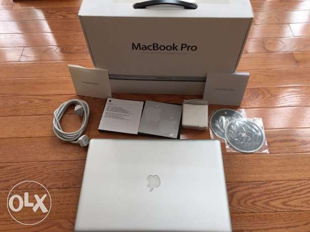 OPEN BOX Apple MacBook Pro 17