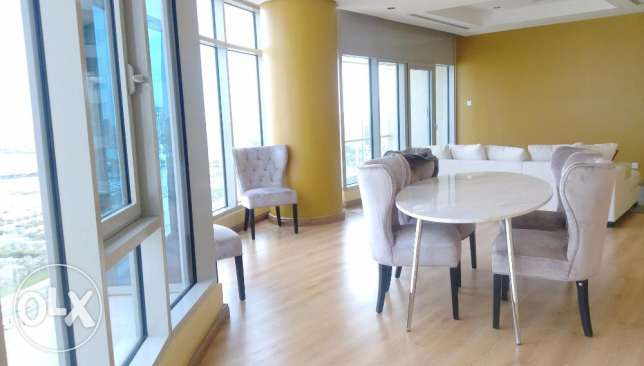 Sea view flat with balcony (3 bdr), 1200 in Shaab al bahri