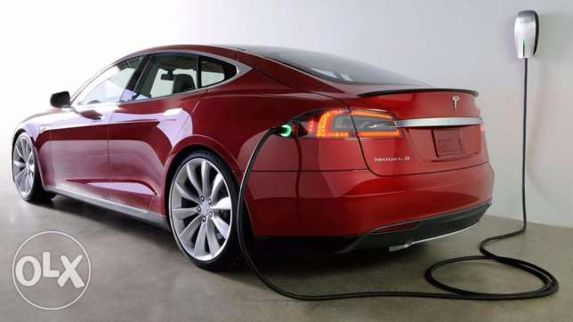 Tesla P85D 458 km range electric car no petrol.