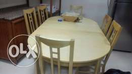 Ikea adjustable dining table with 6 no chairs