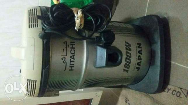 Hitachi 1800W vacuum cleaner for sale
