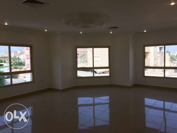villa floor for rent jabriya aria الجابرية -  1