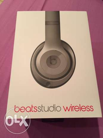 For Sale Beats Wireless Headset