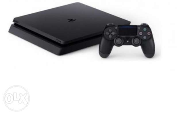 PS4 500 Gb... LIKE BRAND NEW.. used less than 10 hours + FIFA 2016