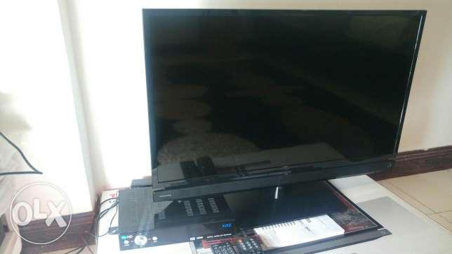 "Toshiba 32"" Led TV + Receiver my HD"