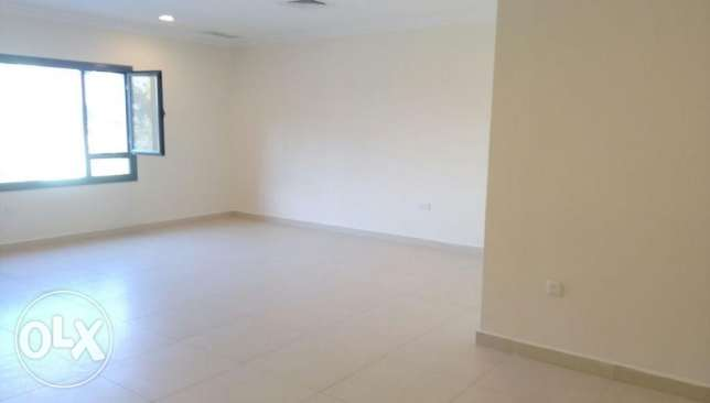 Spacious 2 bedroom apartment for KD 500 in Salmiya.