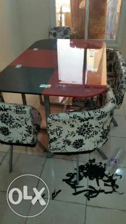 Dinning table for sale 27 kd