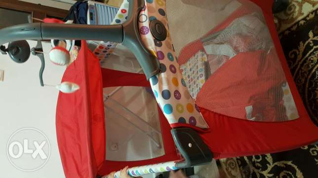 Baby bedding and dresser 2in1 حولي -  1