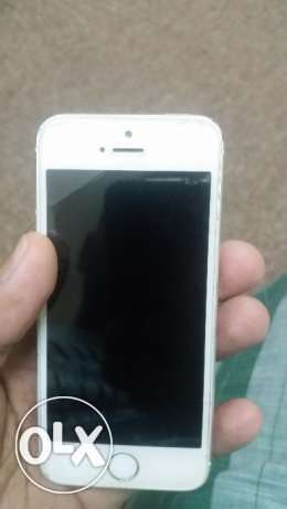 Iphone 5s 16 gb silver color for sale. الفحيحيل -  2