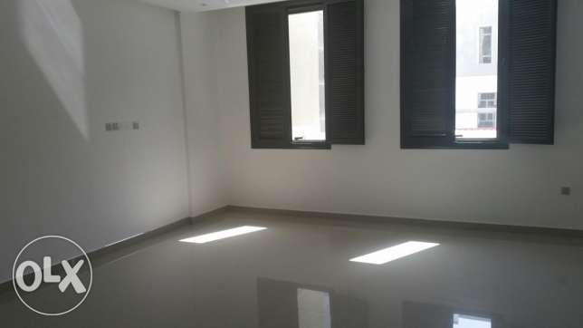 Eqaila fantastic 350m2 duplex 4 master bedrooms Gate Mall