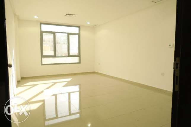 2 Bedroom Apartment in Salmiya, Block 5, Property ID 052