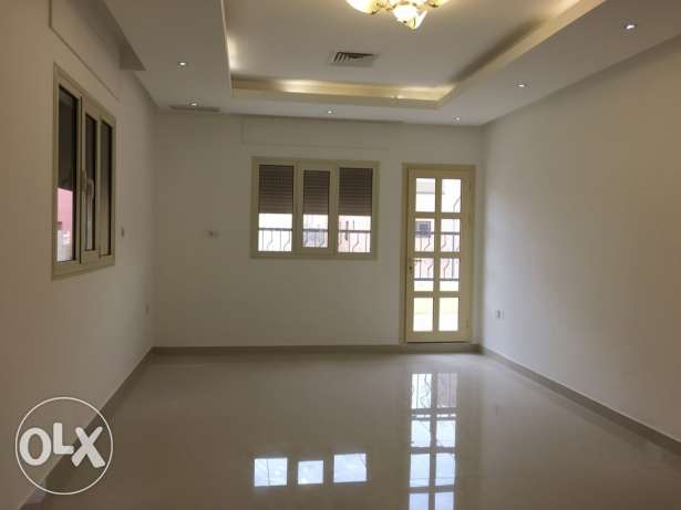 very nice 3 bdr in villa apt with big balcony in mangaf