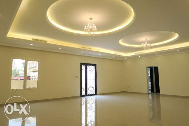 4 Bedroom Villa Floor in Yarmouk, Block 2, Property ID 025