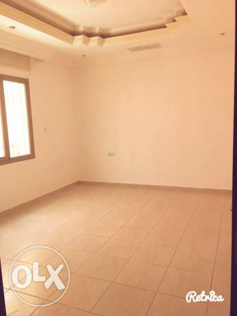 very big fully villa in quite area in mangaf المنقف -  4