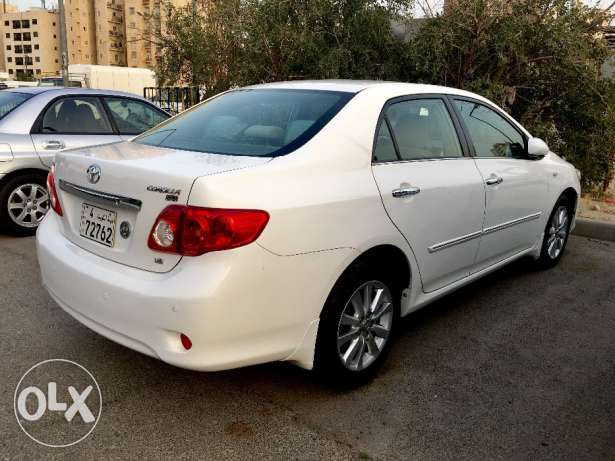 Toyota Corolla 2009 1.8 White For Sale (Like New)