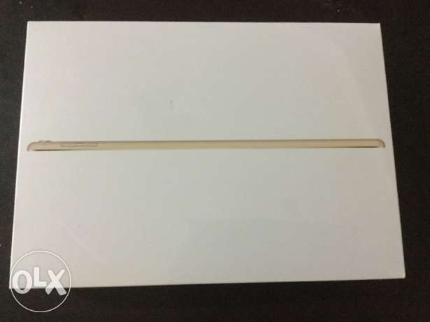 iPad Pro 9.7 - 256 GB , 4G, gold 1 year Zain warranty
