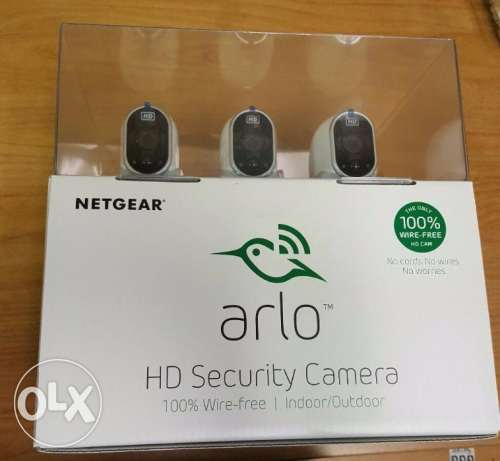 Netgear Arlo Security camera system 3 HD 100% Wire-Free Indoor/Outdoo