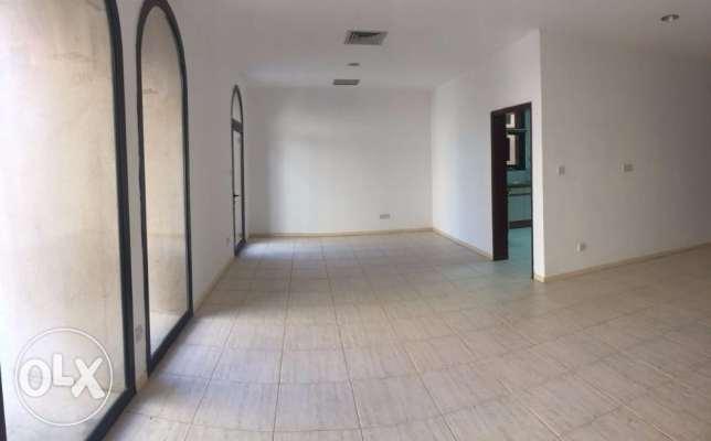 Spacious Villa with three bedroom and private yard