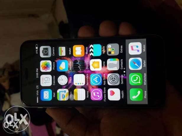 iPhone 6 64 gb verry good connectio phone and charger only