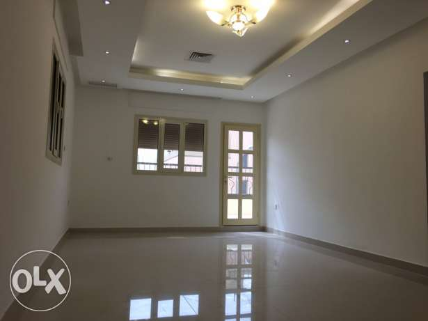 very nice 3 bdr in villa apt in mangaf