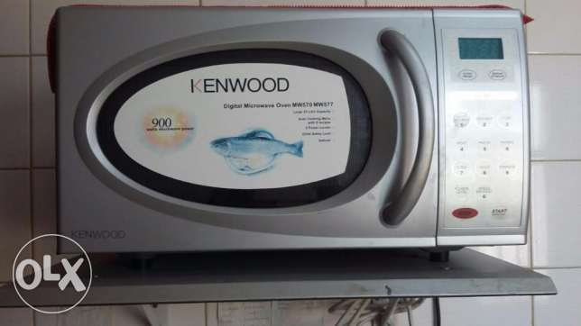 kenwood microwave used only to reheat food ..fulloption... used 6 year