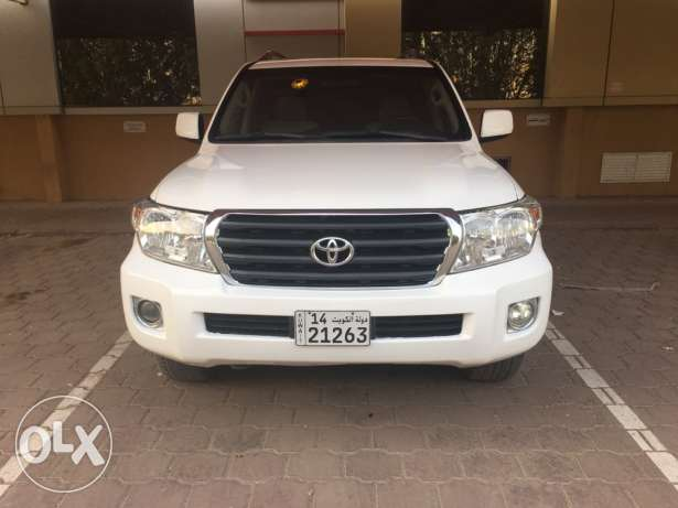 For sale Toyota 2011 Land Cruiser 6 Cylinder