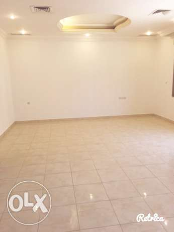 very big fully villa in quite area in mangaf المنقف -  3