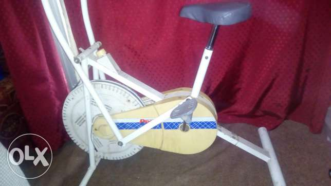 Exercise cycle good in condition bought 1 week ago made in taiwan