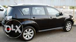 Black Outlander 2010 full option car for sell.