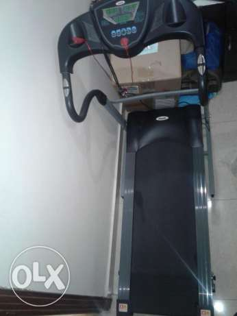 FOR SALE : Treadmill