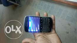 Blackberry Bold-2 ( 9900 )Touch mobile