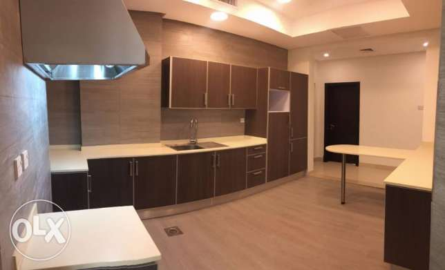 Brand new 3 bedroom full floor Kd 750