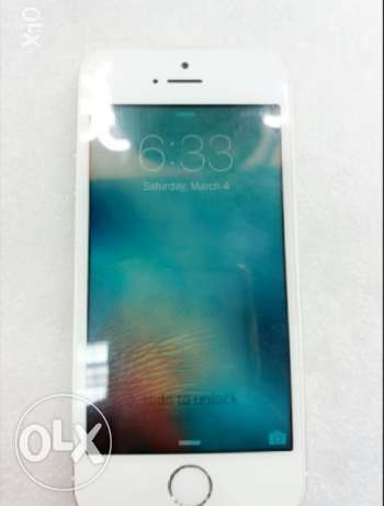 iPhone 5s mint condition (scratch less)