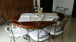 Dinning table. Final sale