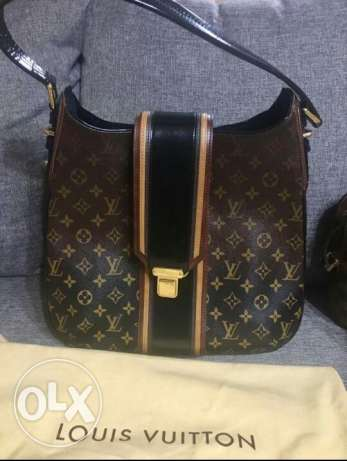 Authentic lv mirage musette black limited edition.