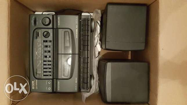 Aiwa radio cassette player + speakers