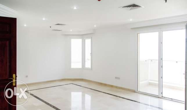 3 Bedroom flat with a small balcony , sea view 900Kd