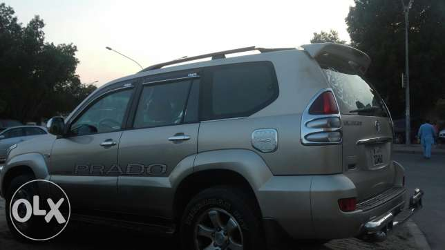 prado 2007 4calendar price 2500 car is new from inside a.c. ialso work جليب الشويخ -  4