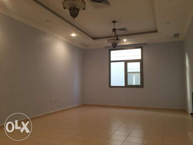 3 bedrooms in villa apt in mangaf for rent